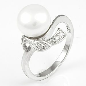 Sterling Silver Pearl & CZ Ring Size 7